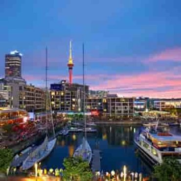 holiday inn auckland
